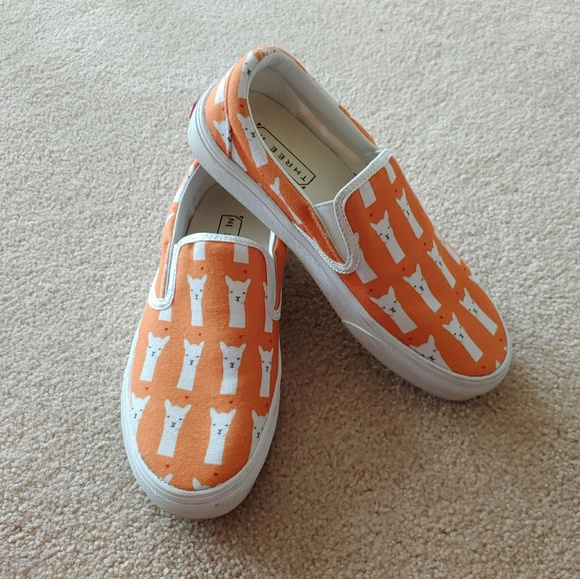 64e7476d8d198f M 5c478b783e0caaf53bb1a197. Other Shoes you may like. Hawaiian vans